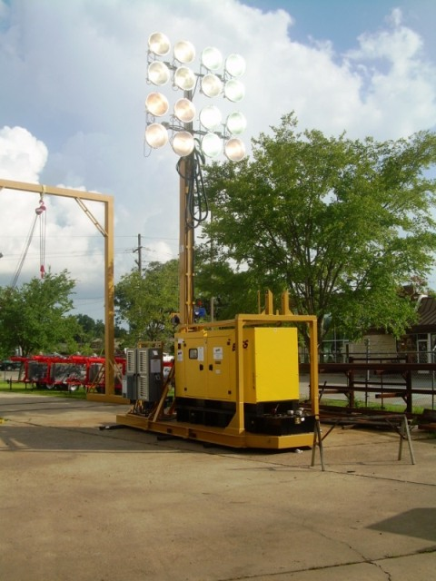 80 FOOT PORTABLE STRIP-MINING STADIUM LIGHT-TOWERS 16-1500W FLOODLIGHTS. RNT: SM-BUMQ2516MH-60/80/100′: Strip Mining Applications: 60′,80′ & 100′ Stadium Light Towers, 16-Floodlights, 1000w/1500w Metal Halides, Onboard Gen-sets, 60 to 80 Acres with Single Tower