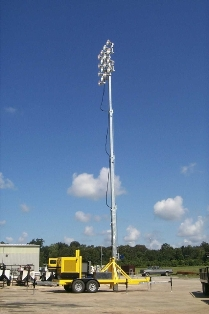 "80 FOOT PORTABLE STADIUM LIGHT-TOWER SIXTEEN 1500W FLOODLIGHTS. RNT: LCS-BUMQ4516MH-80′-1500W: 80′-16 Floodlights/1500w Metal Halide ""High Mast"" Stadium Style Light Towers"